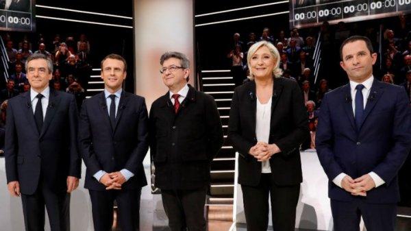 Taken from http://scd.france24.com/en/files/imagecache/france24_ct_api_bigger_169/article/image/20032017_french_presidential_debate.jpg.