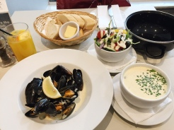 21. A late lunch of mussels and a seafood chowder, just a street away from our Airbnb apartment.