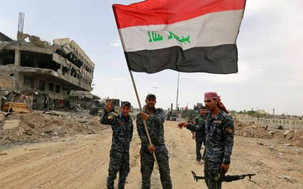Taken from http://media2.intoday.in/indiatoday/images/stories/mosul-victory-story-fb_647_070917072141.jpg.