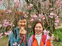 17. Yet even when the weather is less than ideal, because the garden is so picturesque, there are plenty of great spots for photo-taking. My parents - especially my mom - had a great time posing for shots and taking selfies with the overhanging flora.